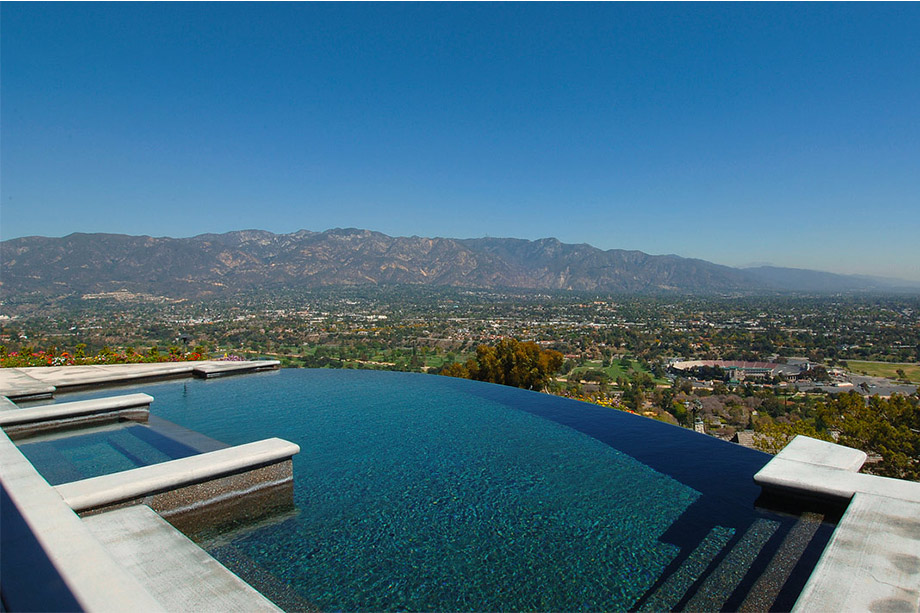 Infinity pool overlooking the San Gabriel Valley built by Richard Smith Custom Homes in Arcadia, California