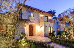 2138 Melville, San Marino